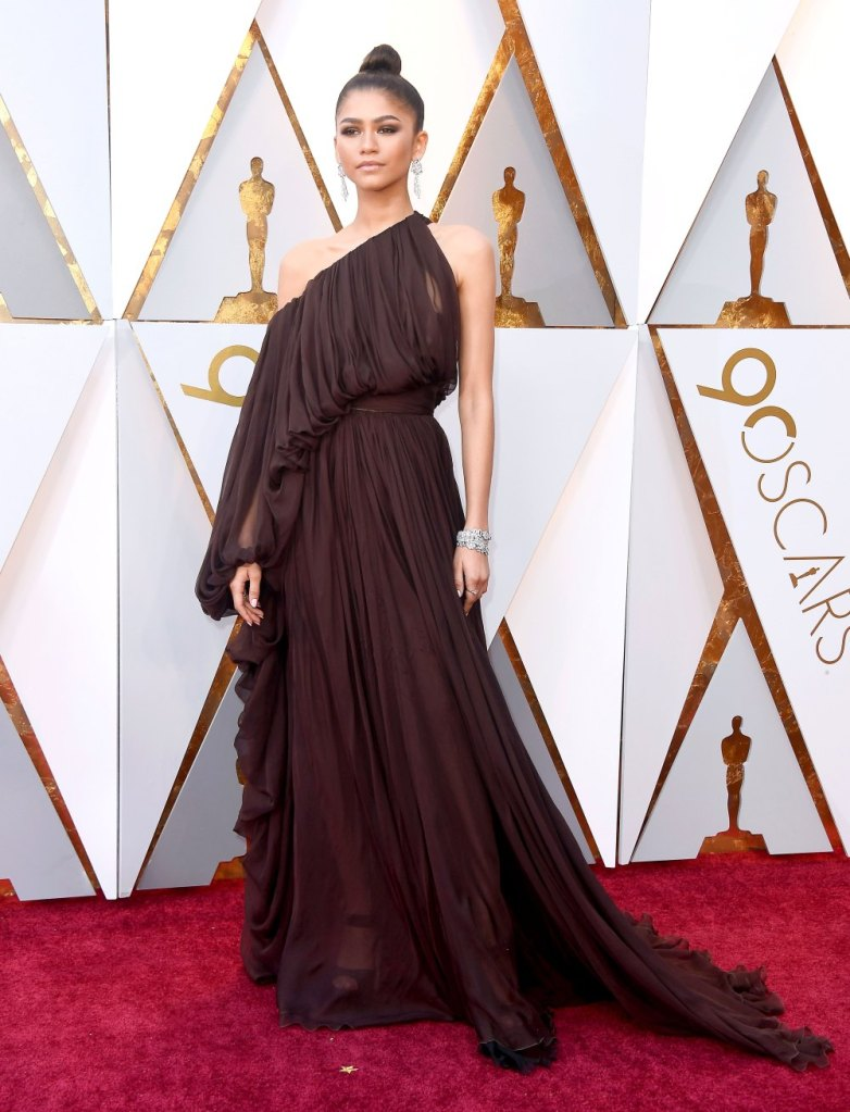 Zendaya In Giambattista Valli Couture Oscars 2018